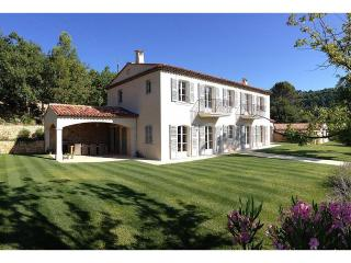 Villa in the village of Fayence, 35 minutes from Cannes - Fayence vacation rentals