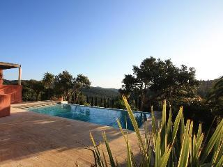 Nice 5 bedroom Villa in Grimaud with Internet Access - Grimaud vacation rentals