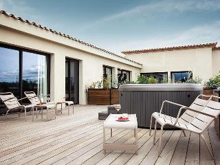 Beautiful Villa with Internet Access and Private Outdoor Pool - Vendres vacation rentals