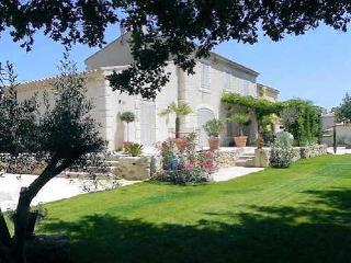 4 bedroom Villa with Internet Access in Puissalicon - Puissalicon vacation rentals