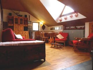 2 bedroom Apartment with Garden in Courmayeur - Courmayeur vacation rentals