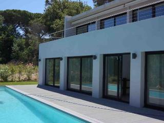 Nice Villa with Internet Access and Balcony - Saint-Tropez vacation rentals