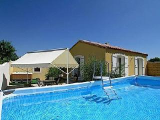 Nice Villa with Balcony and Private Outdoor Pool - Plaissan vacation rentals