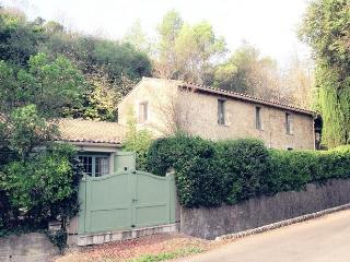 Gorgeous Villa with Balcony and Parking - Lagrasse vacation rentals