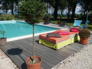 Bright 3 bedroom Villa in Colombiers - Colombiers vacation rentals