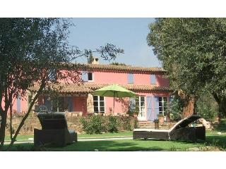 Nice Villa with Internet Access and Balcony - Bormes-Les-Mimosas vacation rentals