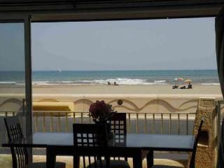 Perfect Studio with Internet Access and Balcony - Narbonne vacation rentals