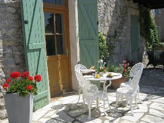 Nice 2 bedroom Vacation Rental in Canaules-et-Argentieres - Canaules-et-Argentieres vacation rentals