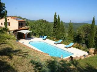 Lovely Villa with Internet Access and Balcony - Oms vacation rentals