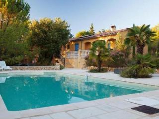Nice Villa with Internet Access and Balcony - Sainte-Anastasie-sur-Issole vacation rentals