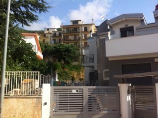 Appartamento in villa di nuova costruzione classeA - Province of Foggia vacation rentals