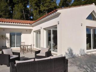 Lovely Villa with Internet Access and Balcony - Bouc-Bel-Air vacation rentals
