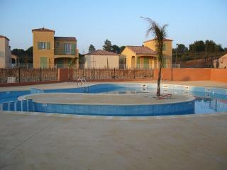 Perfect 4 bedroom Béziers Villa with Internet Access - Béziers vacation rentals