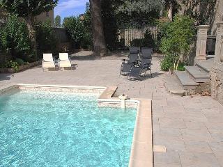 6 bedroom Villa with Internet Access in Pepieux - Pepieux vacation rentals