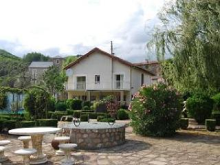 Perfect 4 bedroom Vacation Rental in St Gervais sur Mare - St Gervais sur Mare vacation rentals