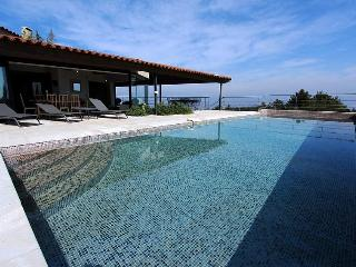 Sunny Villa with Internet Access and Balcony - Le Castellet vacation rentals