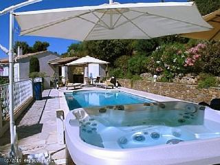 Nice 5 bedroom Grimaud Villa with Internet Access - Grimaud vacation rentals