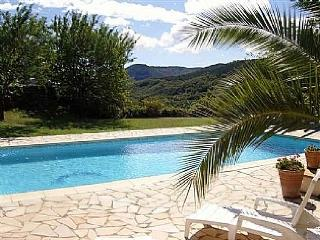 Lovely 4 bedroom Villa in Poujols - Poujols vacation rentals