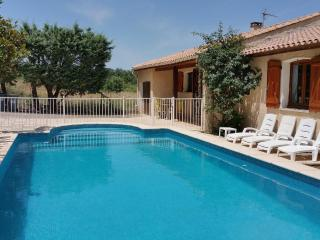 Sunny Villa with Internet Access and Balcony - Nizas vacation rentals