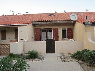 Lovely 2 bedroom Villa in Leucate with Balcony - Leucate vacation rentals