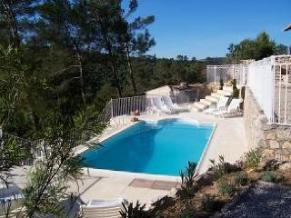 Nice Villa with Internet Access and Balcony - Cabasse vacation rentals