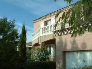 Beautiful 3 bedroom Portiragnes Villa with Internet Access - Portiragnes vacation rentals