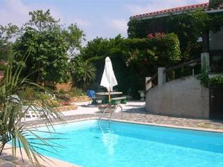 Spacious Villa with Internet Access and Private Outdoor Pool - Trebes vacation rentals