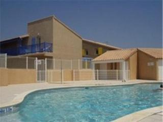 Sunny Villa with Balcony and Parking - Portiragnes vacation rentals