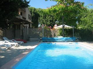 Lovely Villa with Internet Access and Balcony - Ginestas vacation rentals