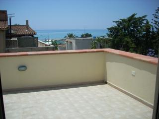 CasaVacanze SanLeone a 30MT dal mare... - San Leone vacation rentals