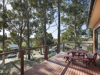 The Tree House By Sea - Woonona Beach - Woonona vacation rentals