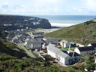 Lovely 2 bedroom Porthtowan House with Internet Access - Porthtowan vacation rentals