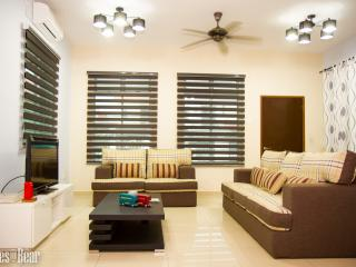 Lovely House with Internet Access and Grill - Skudai vacation rentals