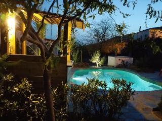 Alojamiento rural Las Camarillas - Portugos vacation rentals