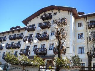 Palace Ponte di Legno residence - Ponte Di Legno vacation rentals
