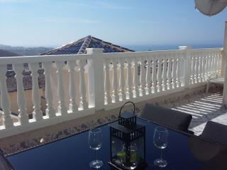 Bolnuevo Seaview Apartment with Wi-Fi & Air Con - Bolnuevo vacation rentals