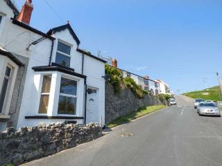 HIGHGATE COTTAGE sea views, woodburning stove, WiFi, pet-friendly, in Llandudno Ref 927649 - Llandudno vacation rentals