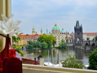 Unique Charm Views Of The Ch-bridge Castle 2nd floor - Prague vacation rentals