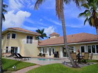 10 BR House on Las Olas... Hot deal, Call us! - Fort Lauderdale vacation rentals