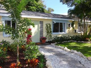 50% Off Summer Sale!  Historic Downtown Cottage!  Walk To It All! - Sarasota vacation rentals