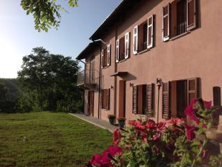 Nice 2 bedroom Bed and Breakfast in Nizza Monferrato - Nizza Monferrato vacation rentals