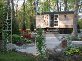 Romantic Shepherds hut with Linens Provided and Central Heating - Dexter vacation rentals