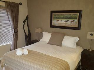 Business & Holiday Accommodation - Bellville vacation rentals