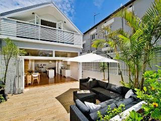 Gorgeous 4 bedroom House in Bondi Beach - Bondi Beach vacation rentals