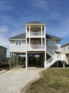 Holden Beach Second Row 3BR Cottage Bright & Airy - Holden Beach vacation rentals