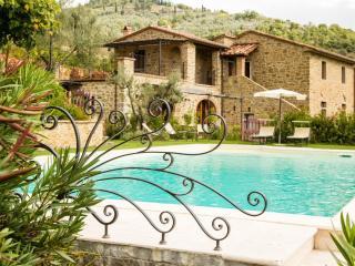 Beautiful Villa with Internet Access and Dishwasher - Castiglion Fiorentino vacation rentals