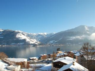 Apartment LAKE VIEW - near ski lift and town - Zell am See vacation rentals