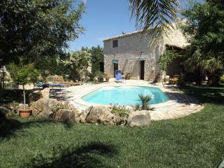 Casale in pietra con piscina - Scicli vacation rentals