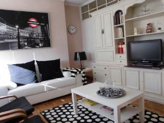 Piso Plaza Lesseps - Parc Guell - Barcelona vacation rentals