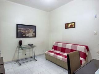 HB15C  COPACABANA - Apartamento a 30mts da praia! - Rio de Janeiro vacation rentals